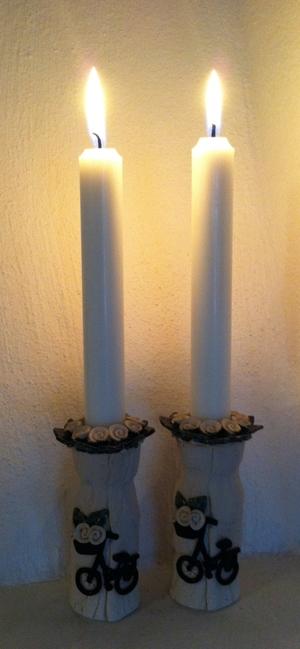 Ljusstake-Vita blommor